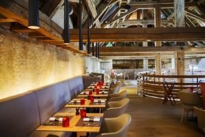 Bars and restaurants enclosures