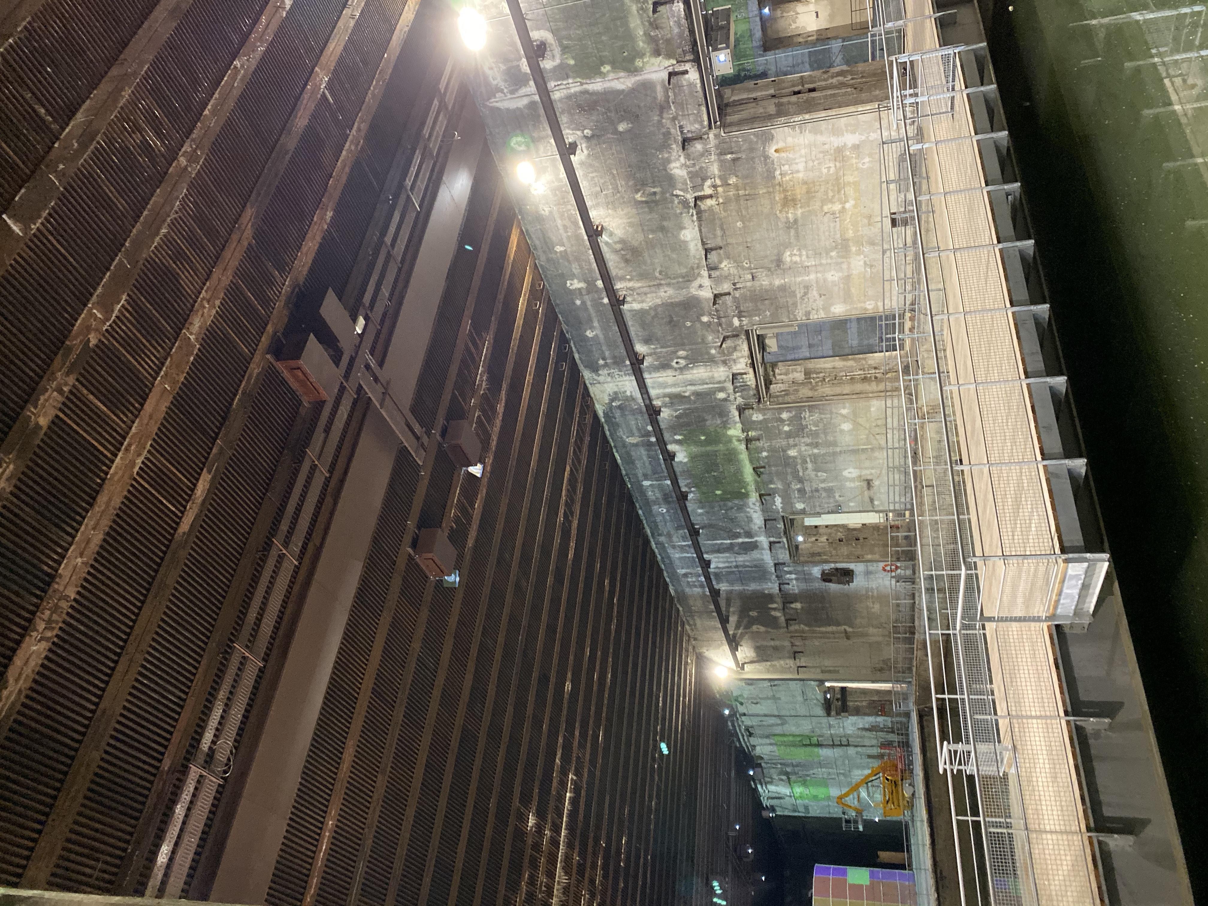 bassins de lumieres enclosures ceiling